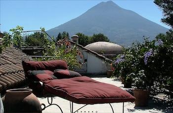 5a Avenida Sur, Antigua, Guatemala.