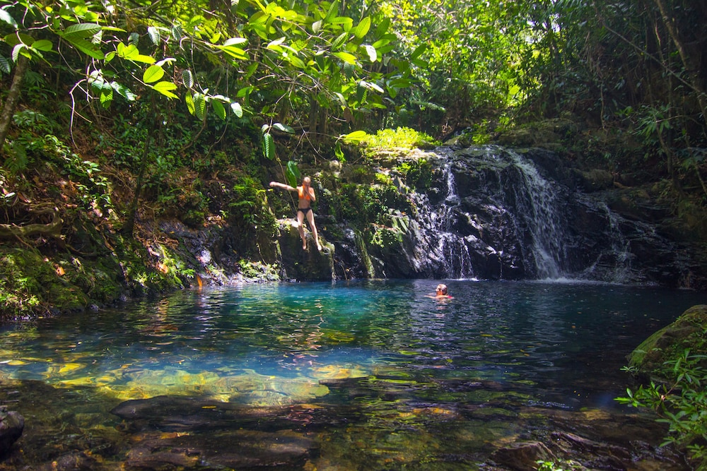 Pool Waterfall, Bocawina Rainforest Resort & Adventures