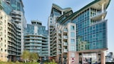 St George Wharf Apartments - London Hotels