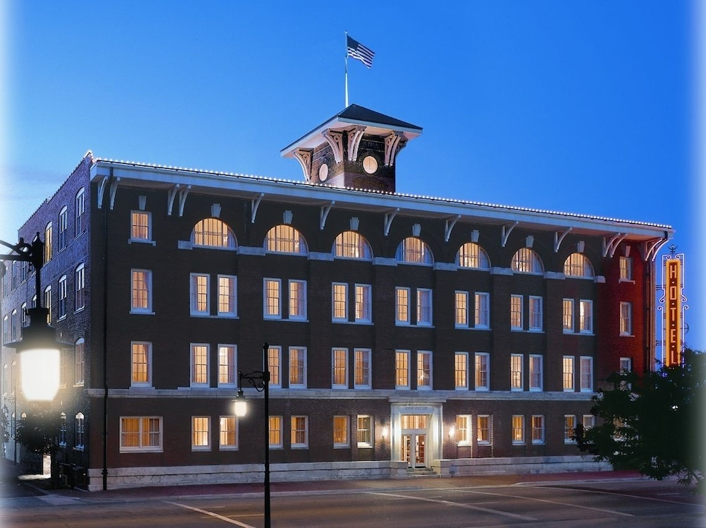 Hotel At Old Town In Wichita