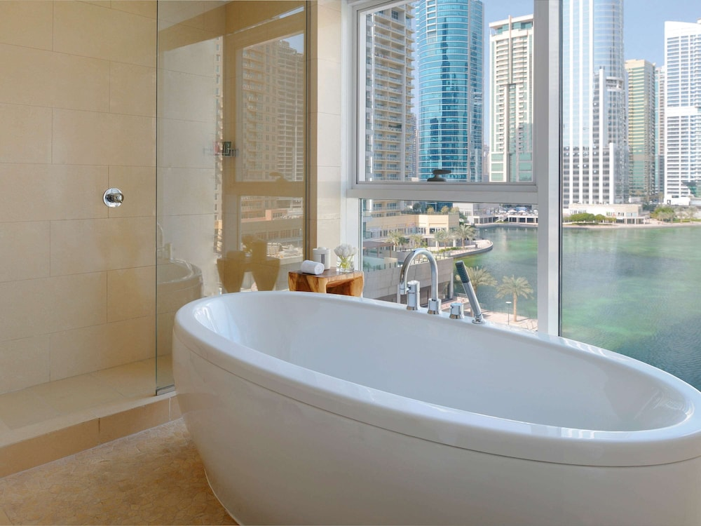 Bathroom, Movenpick Hotel Jumeirah Lakes Towers