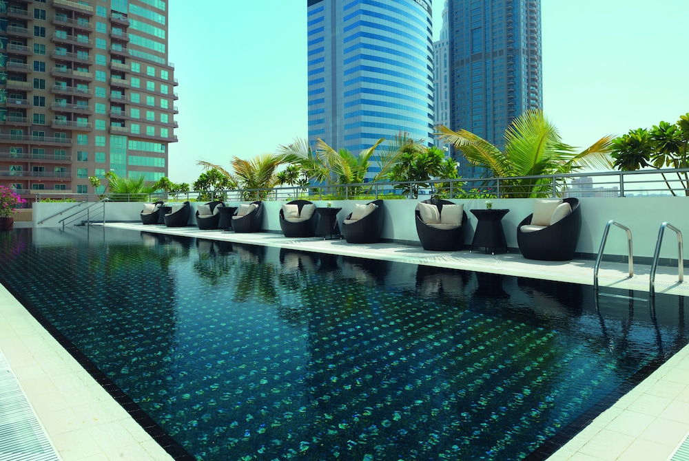 Pool, Movenpick Hotel Jumeirah Lakes Towers