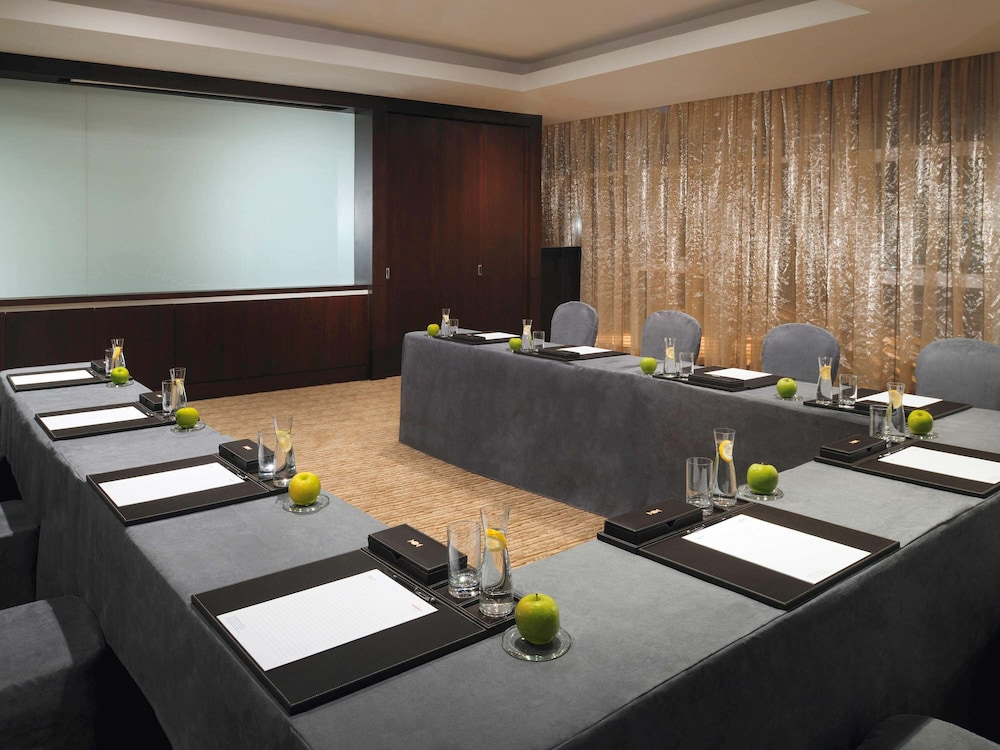 Meeting Facility, Movenpick Hotel Jumeirah Lakes Towers