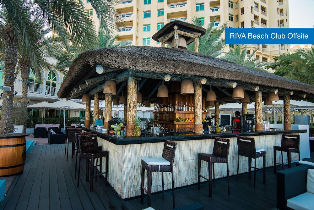 Beach Bar, Movenpick Hotel Jumeirah Lakes Towers