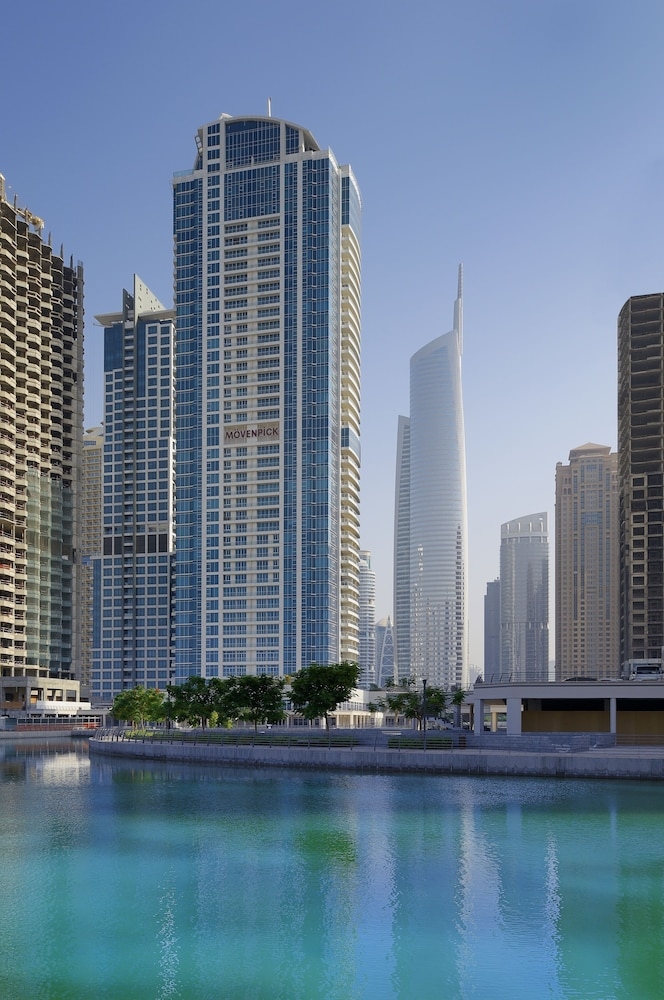Building design, Movenpick Hotel Jumeirah Lakes Towers