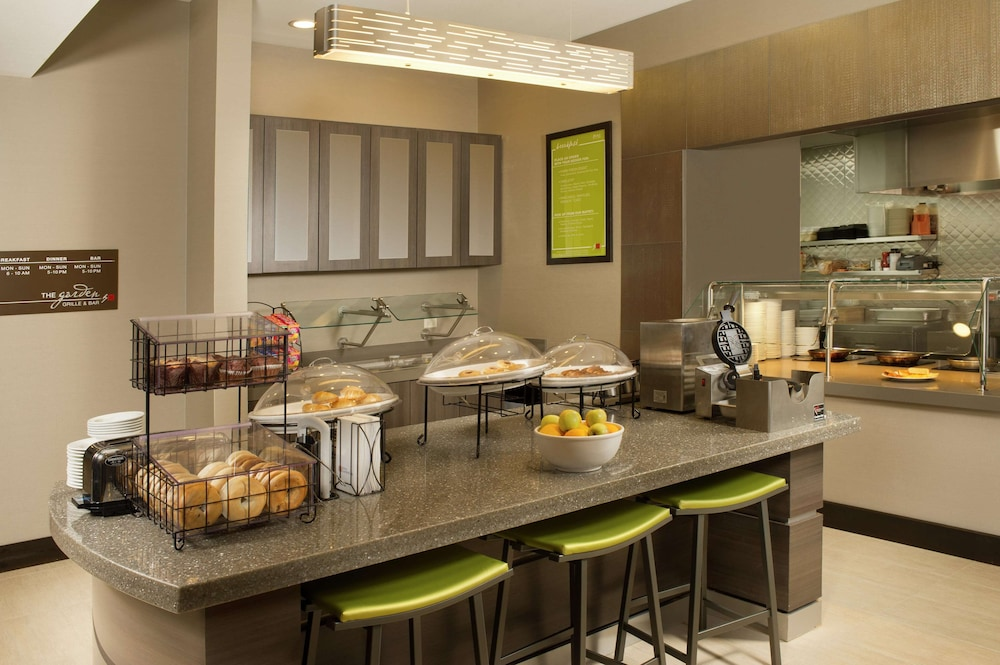 Breakfast Area, Hilton Garden Inn College Station
