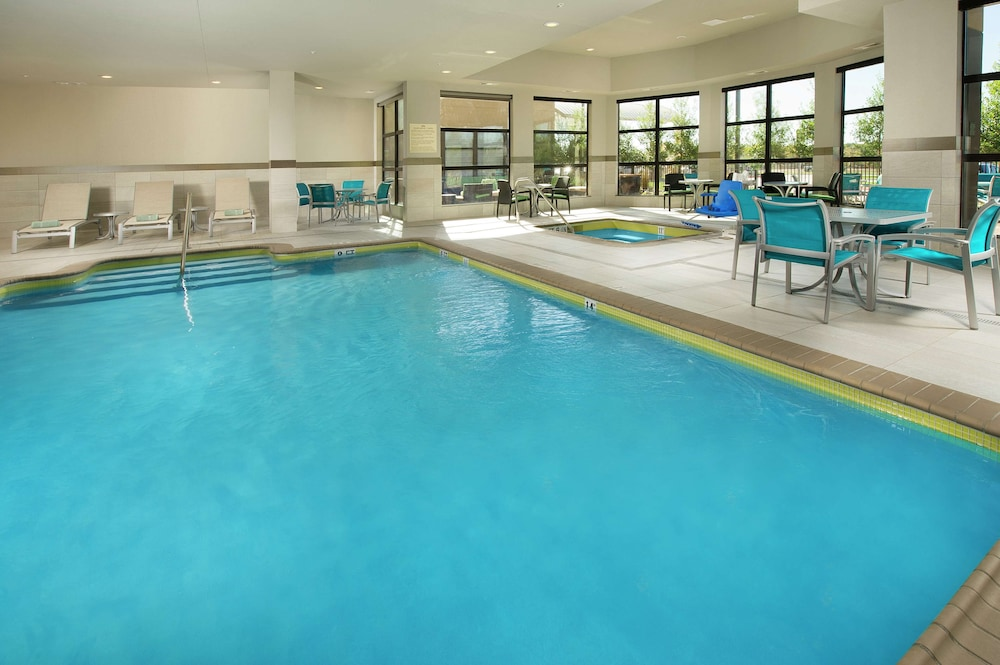 Pool, Hilton Garden Inn College Station
