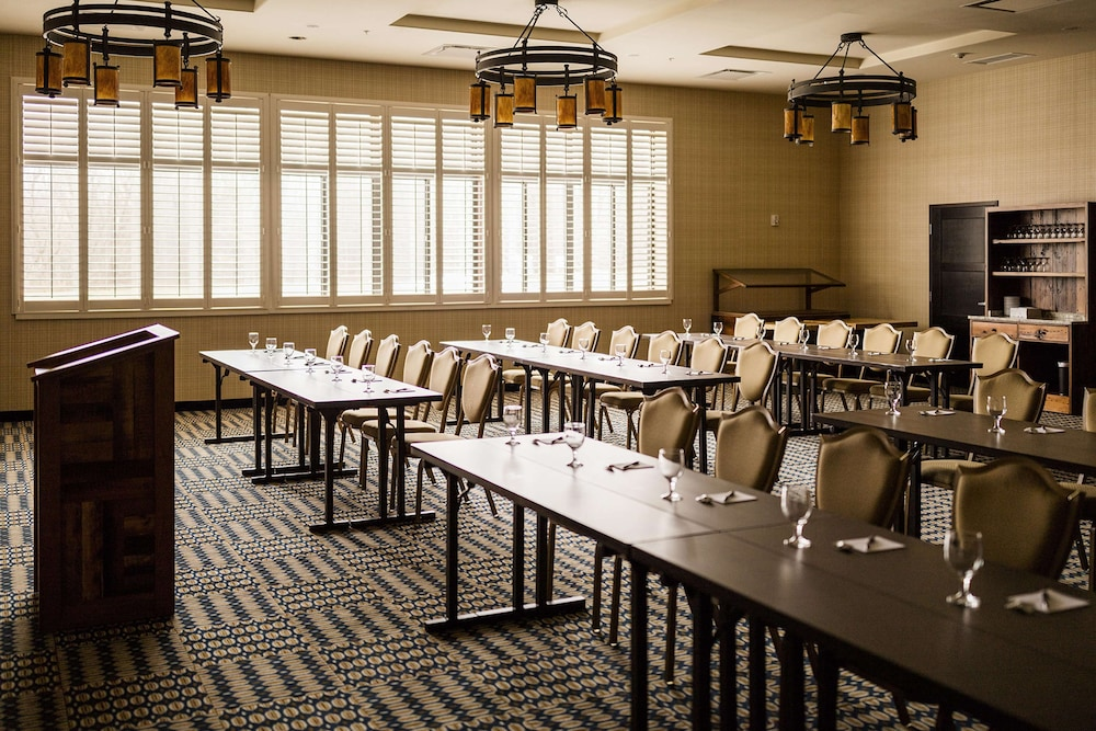 Meeting Facility, Tailwater Lodge Altmar, Tapestry Collection by Hilton