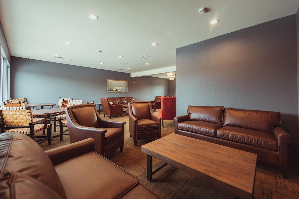 Lobby Sitting Area, Tailwater Lodge Altmar, Tapestry Collection by Hilton