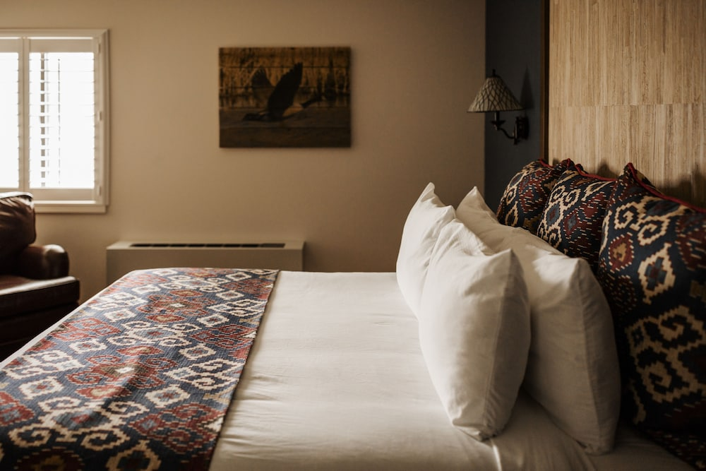 Room, Tailwater Lodge Altmar, Tapestry Collection by Hilton