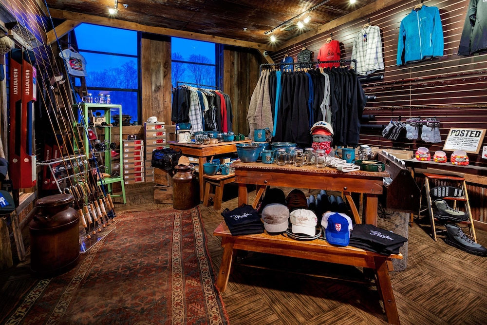 Gift Shop, Tailwater Lodge Altmar, Tapestry Collection by Hilton