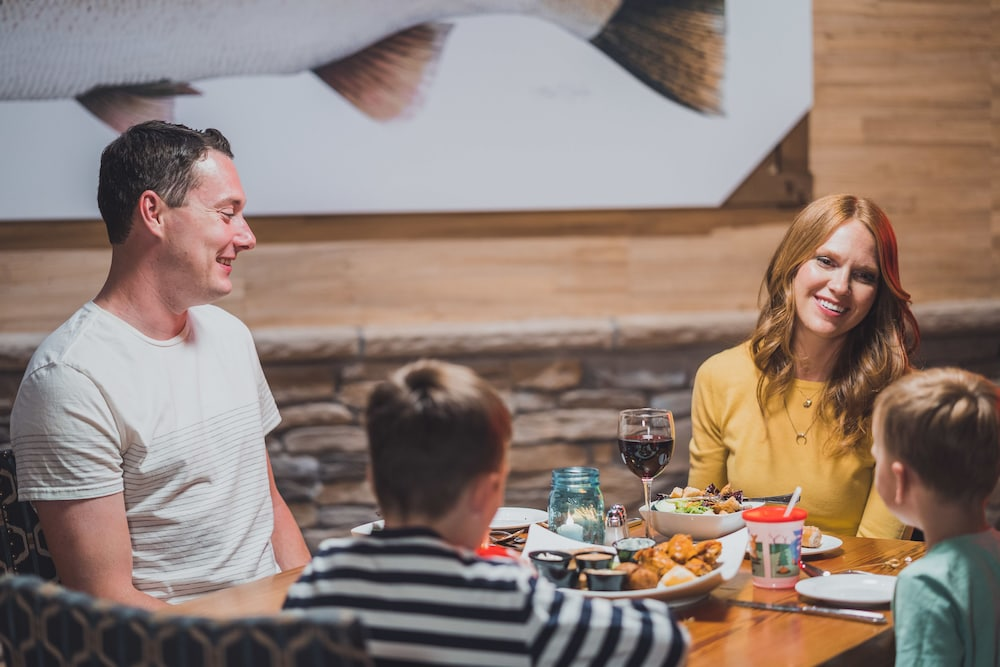Family Dining, Tailwater Lodge Altmar, Tapestry Collection by Hilton
