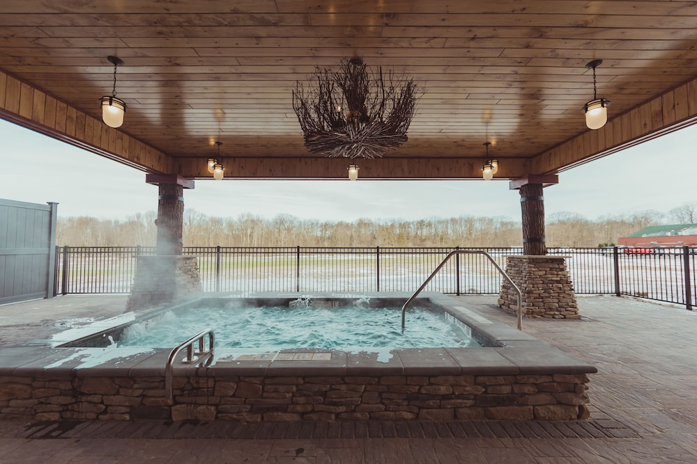 Outdoor Spa Tub, Tailwater Lodge Altmar, Tapestry Collection by Hilton