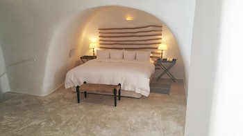 Imerovigli, Imerovigli, 847 00, Greece.