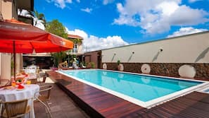 Outdoor pool, open 10 AM to midnight, sun loungers