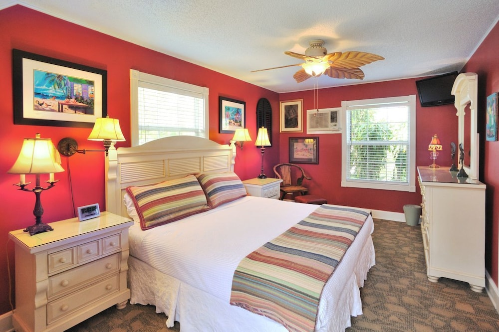 Surprising Key West Vacation Rentals In Key West Fl Expedia Interior Design Ideas Gentotryabchikinfo