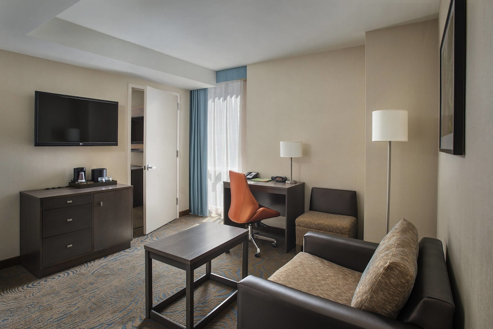 Room, Courtyard by Marriott New York Manhattan / Chelsea