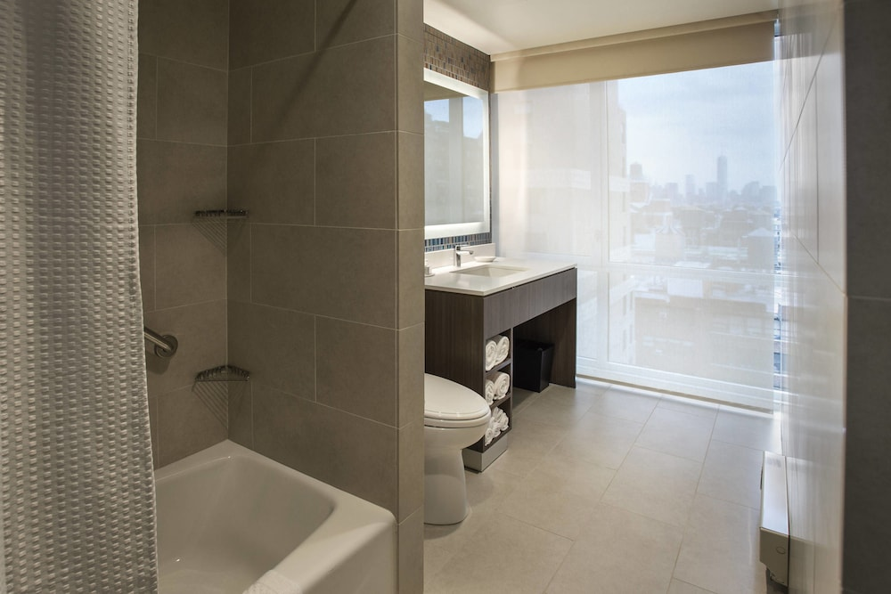 Bathroom, Courtyard by Marriott New York Manhattan / Chelsea