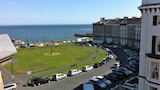 Fayvan Apartments - Whitby Hotels