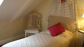 Roupas de cama premium, individualmente decorados, escrivaninha