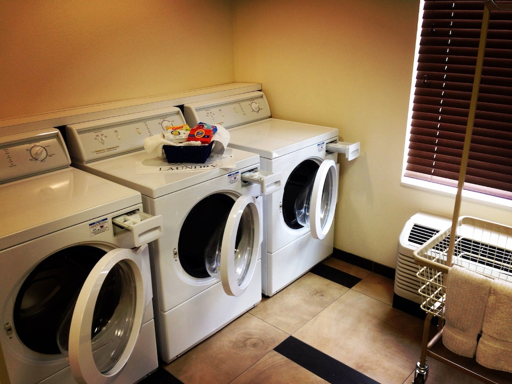 Laundry, Candlewood Suites Winnemucca