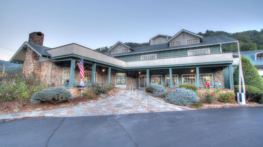 The Historic Gatlinburg Inn