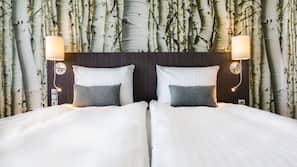 Allergivenligt sengetøj, pengeskab på værelset, skrivebord, lydisolering