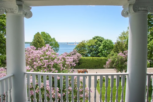 Bed And Breakfast Mackinac Island Book A B B From Travelocity