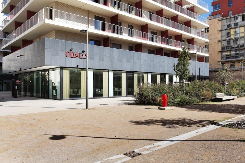 Appart hotel odalys lyon confluence lyon frankrike for Appart hotel lyon 7