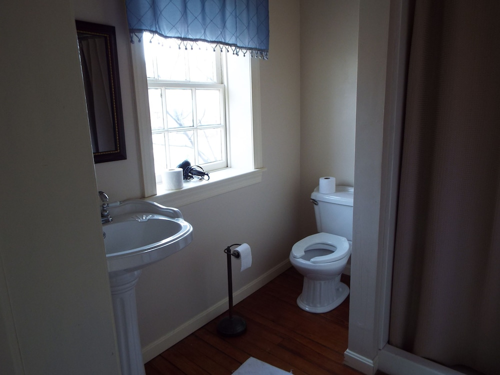 Bathroom, The Tillie Pierce House Inn