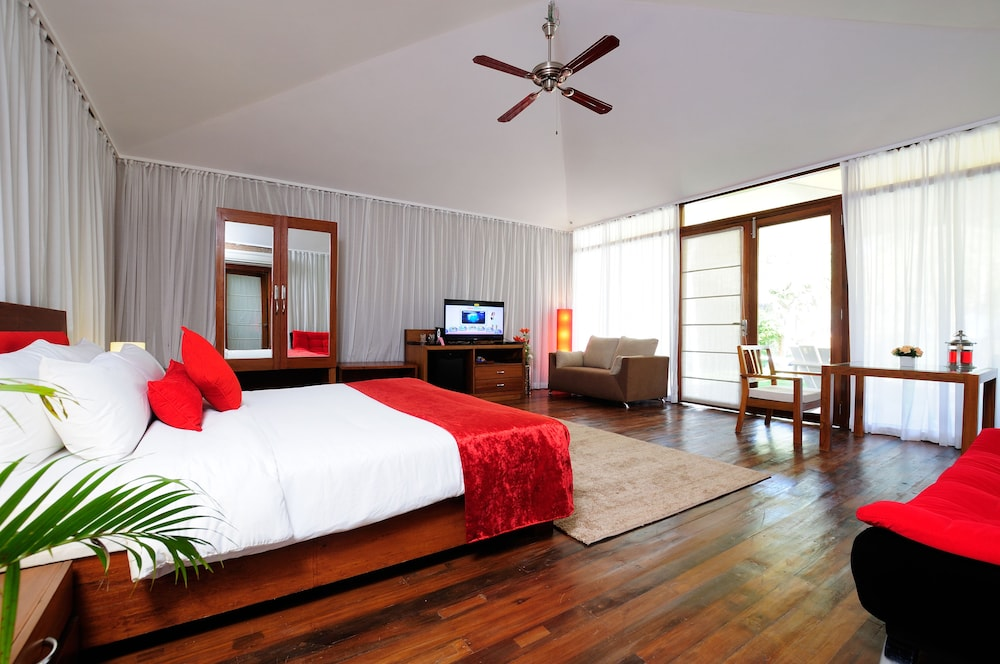 Room, Teso Waterfront