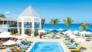 7 outdoor pools, free pool cabanas, pool umbrellas