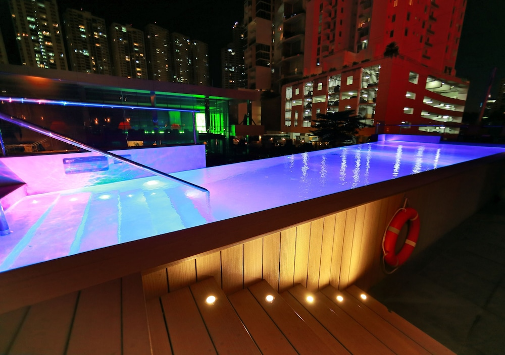 Outdoor Pool, Aloft Panama