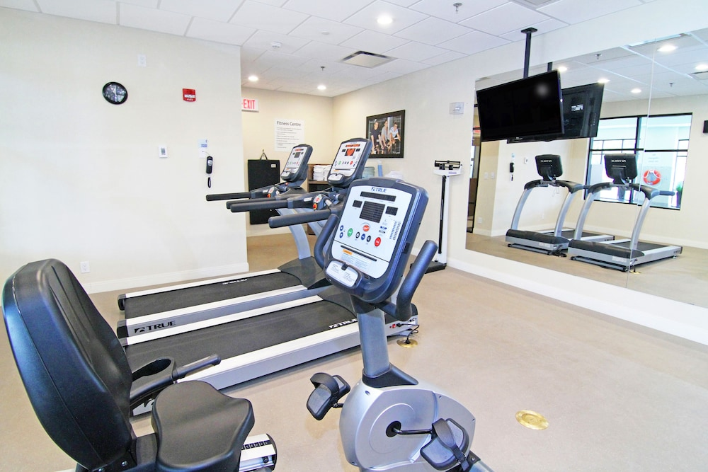 Fitness Facility, Holiday Inn Express & Suites Calgary NW - University Area, an IHG Hotel