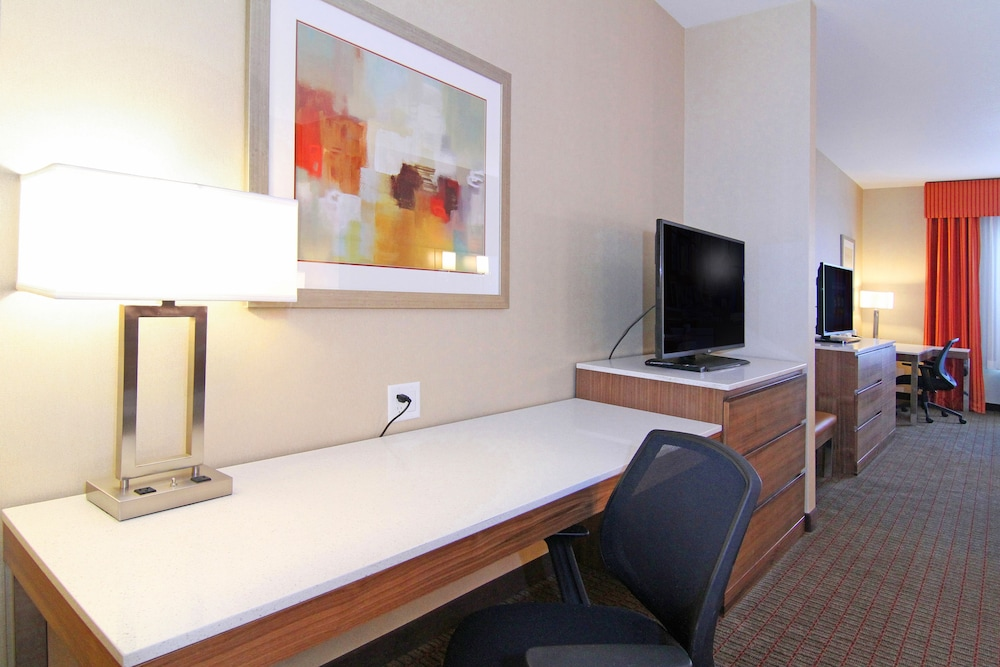 In-Room Business Center, Holiday Inn Express & Suites Calgary NW - University Area, an IHG Hotel