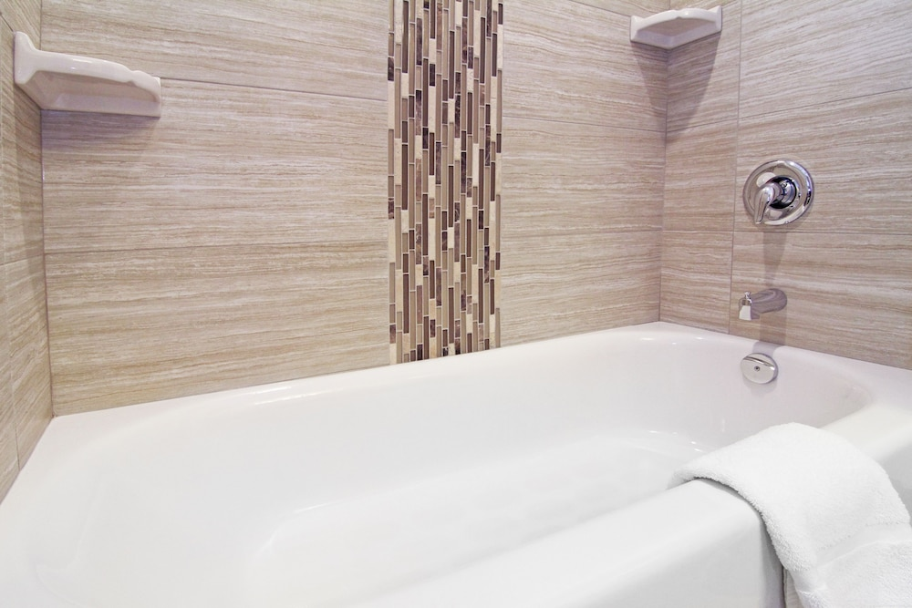 Bathroom, Holiday Inn Express & Suites Calgary NW - University Area, an IHG Hotel