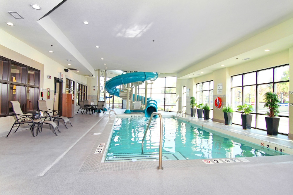 Pool, Holiday Inn Express & Suites Calgary NW - University Area, an IHG Hotel