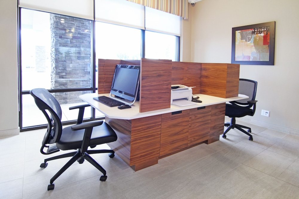 Business Center, Holiday Inn Express & Suites Calgary NW - University Area, an IHG Hotel
