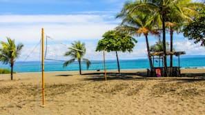 Ubicación a pie de playa, toallas de playa, vóley playa y surf
