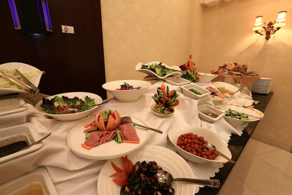 Buffet, Capital Hotel & Spa