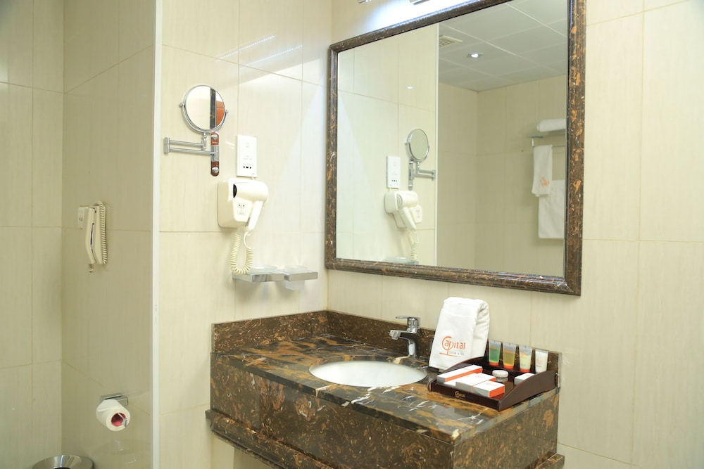 Bathroom, Capital Hotel & Spa