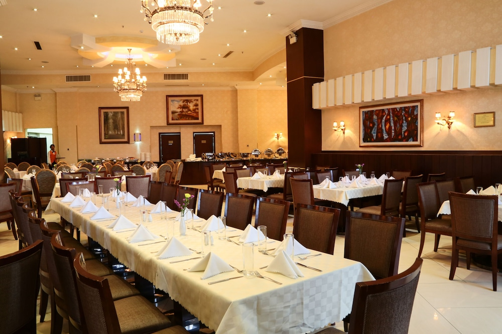 Restaurant, Capital Hotel & Spa