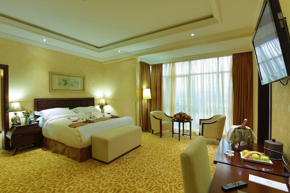 Room, Capital Hotel & Spa