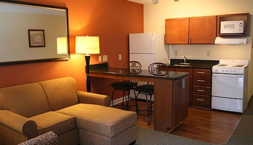 Private Kitchen, Affordable Suites Fayetteville