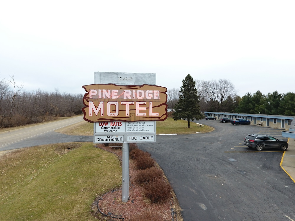 Featured Image, Pine Ridge Motel