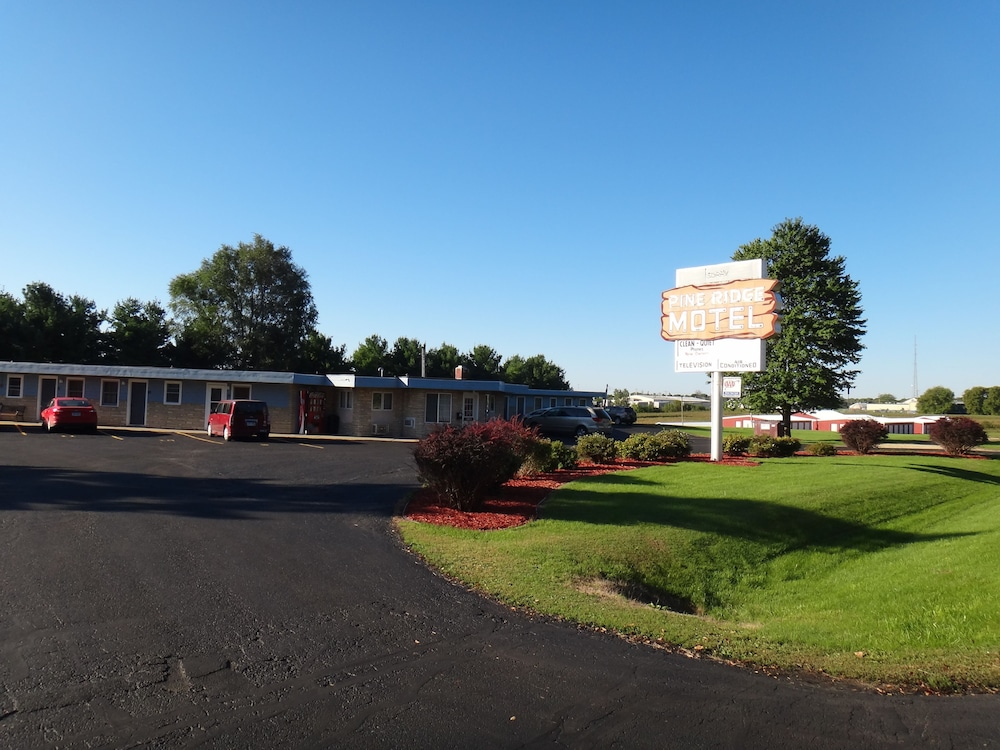 Front of Property, Pine Ridge Motel