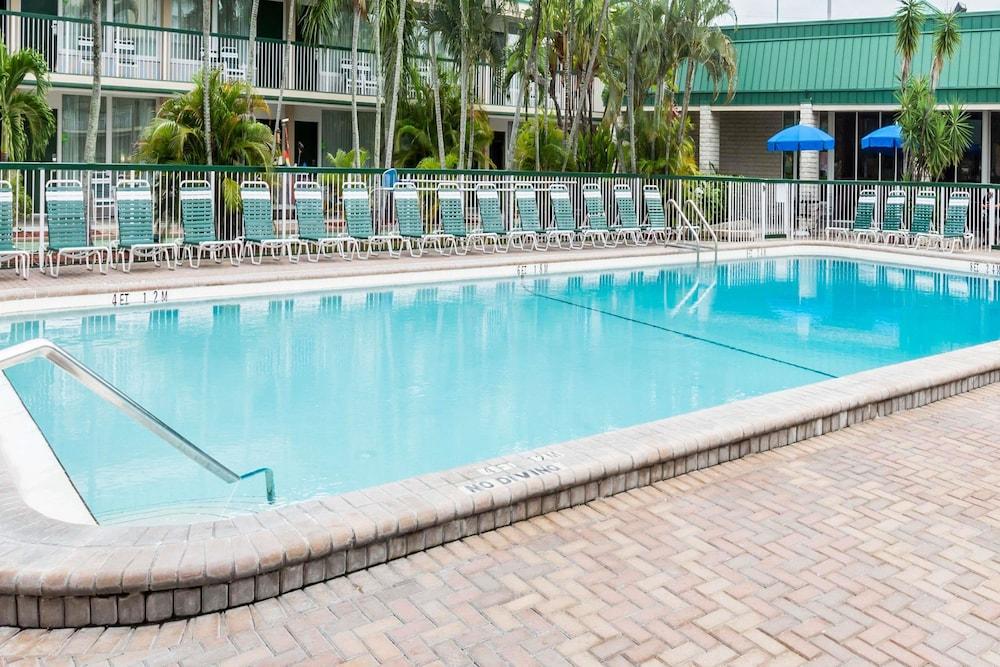 Sanibel Island Hotels: Wyndham Garden Fort Myers Beach, Fort Myers: 2019 Room