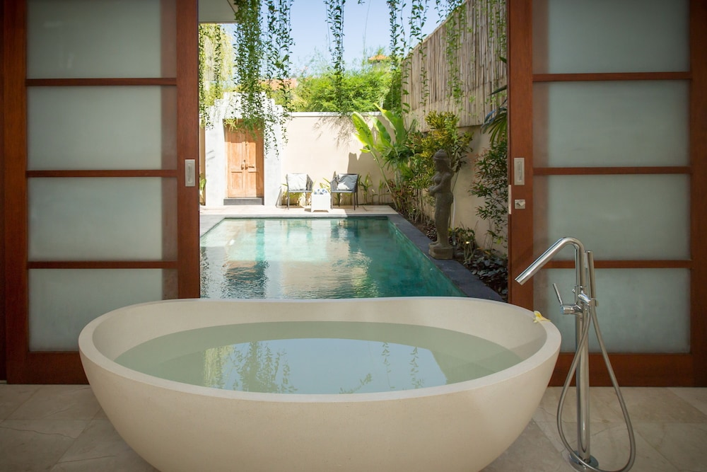Deep Soaking Bathtub, Beautiful Bali Villas by Nagisa Bali