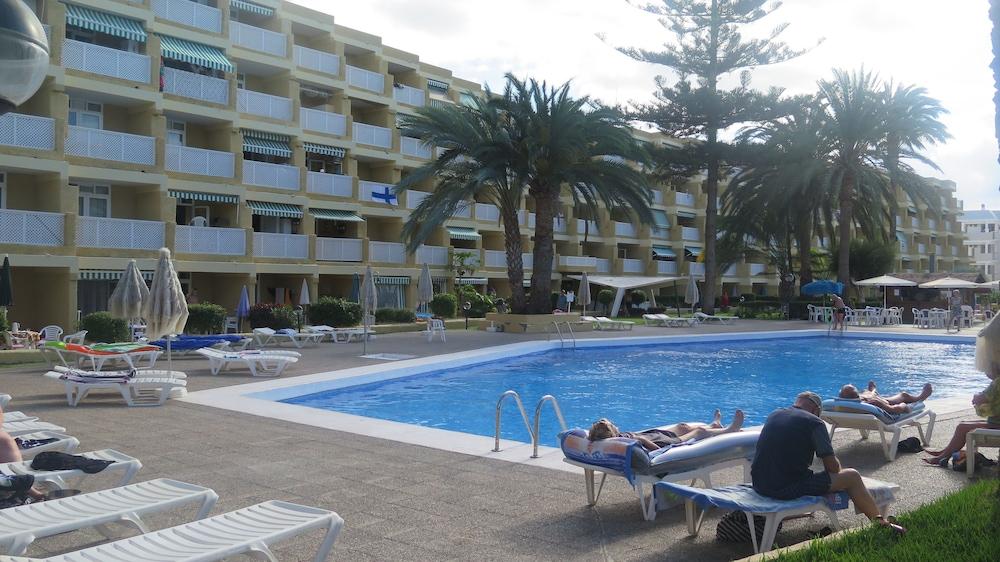 Apartamentos jardin del atlantico deals reviews san for Jardin del atlantico reviews