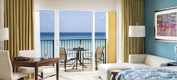 Room, 1 King Bed, Balcony, Oceanfront - Guestroom